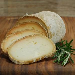 la-tradition-du-bon-fromage-rondin-de-brebis-1S-1434